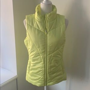 GAP Fit Lime puffer vest!